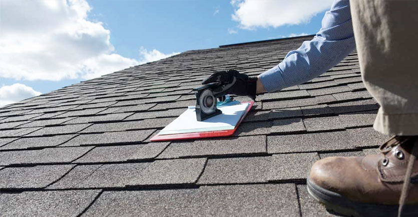 Roofing services by plumber Amsterdam